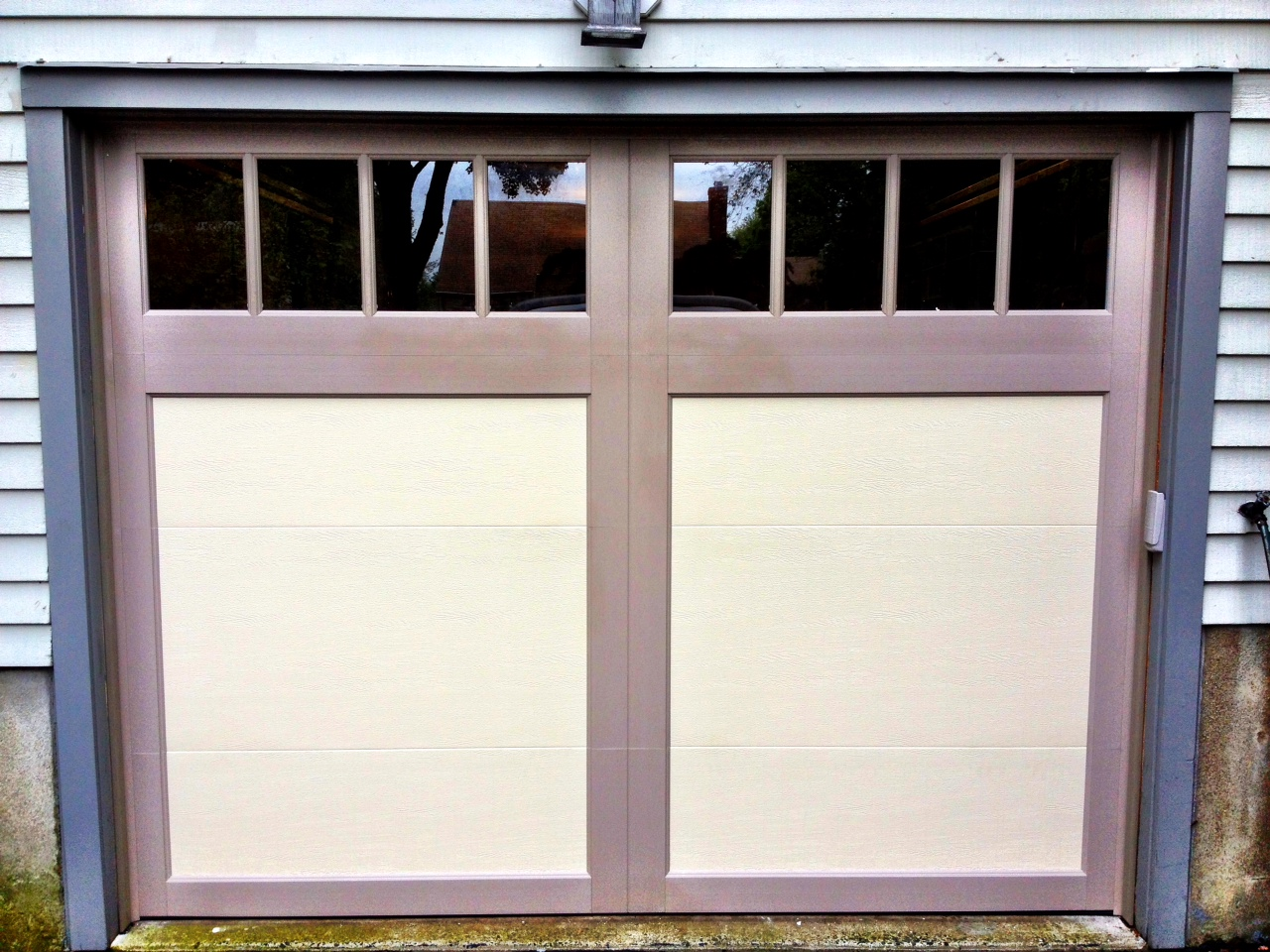 Garage door parts clopay garage door parts replacement panels for Clopay steel garage doors